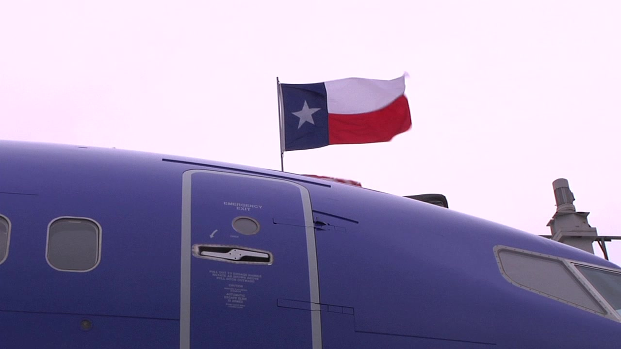 AT THE GATE: Broll of aircraft turn at Austin Airport with shots of Cargo, baggage, ground equipment, and boarding