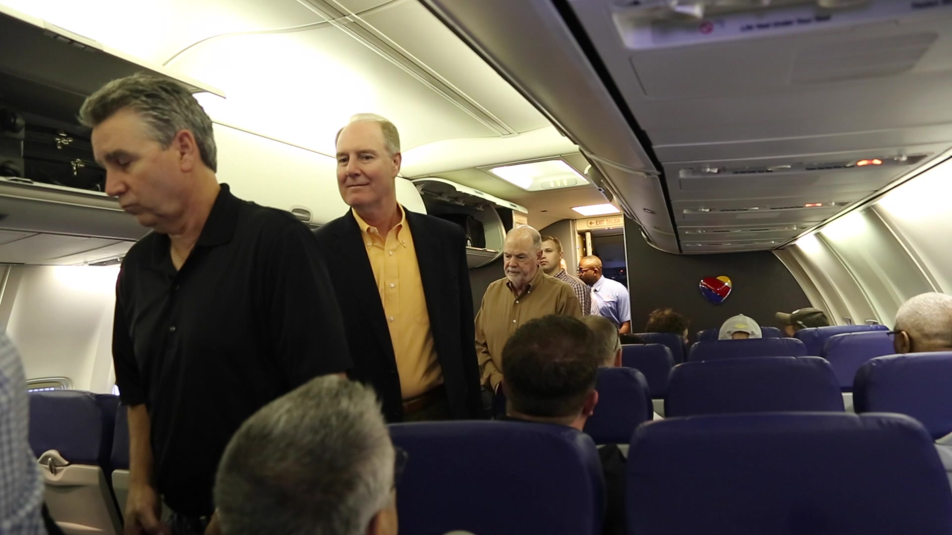 Southwest Airlines CEO surprises Chicago-Based Flight Attendant with $5,000!