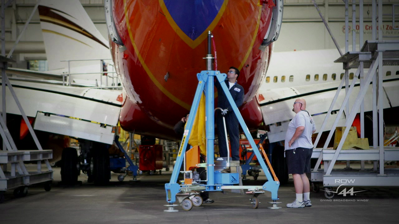 Time-lapse video of Southwest Airlines WiFi Installation on a Boeing 737